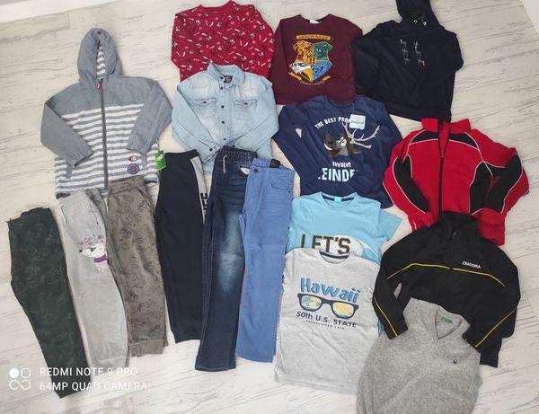 Zestaw/paka ubrań dla chłopca r. 122 m  r. 128, bluzki, kurtka, bluzy