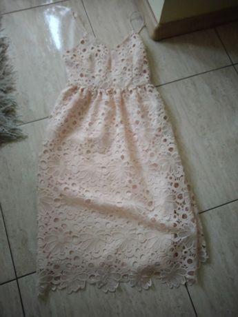 Sukienka Vila s gipiurą gruba  pudrowy róż