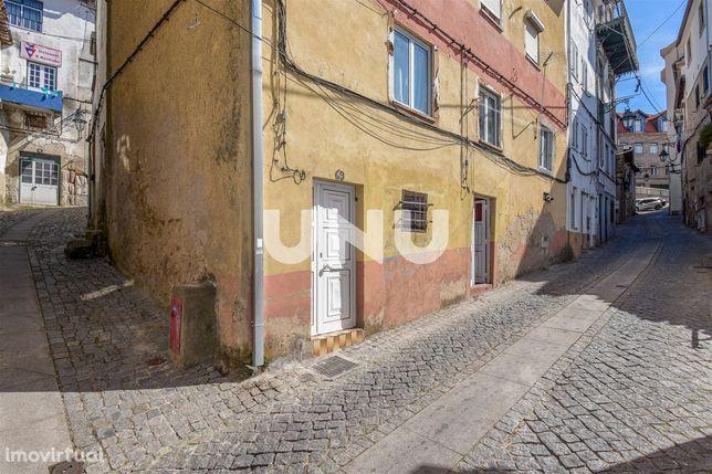 Apartamento T2+1 para venda na zona histórica da cidade da Covilhã.