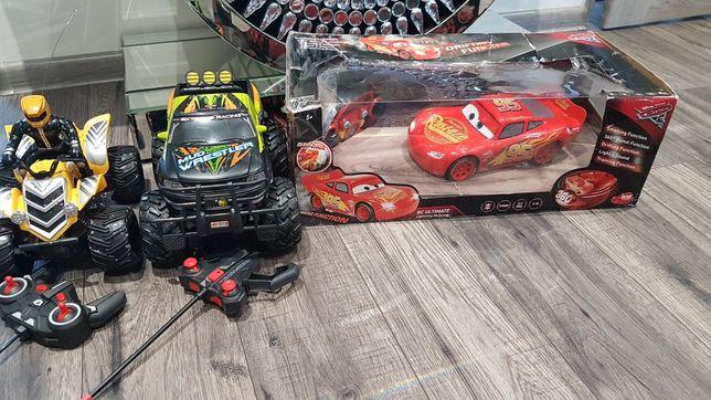 Zestaw zabawek zygzak McQueen i 2 autka na sterowanie