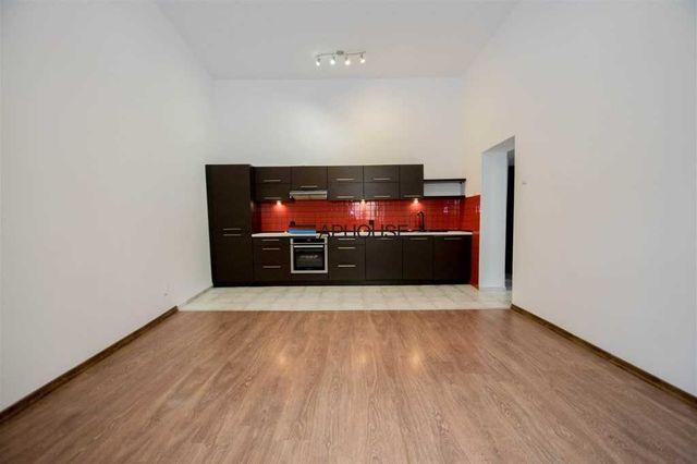 Na sprzedaż 2 pokojowe mieszkanie na Kazimierzu