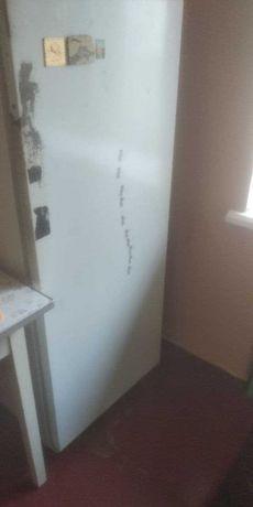 холодильник. рабочий. продам