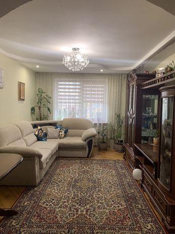 Продам 3-х км квартиру в новобудові за ціною 2-х км .