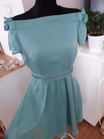 Miętowa zwiewna sukienka