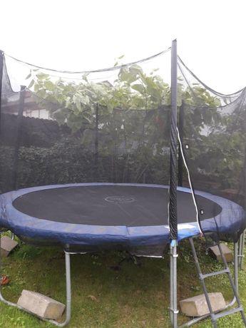 Sprzedam trampolinę  srednica 4,5m