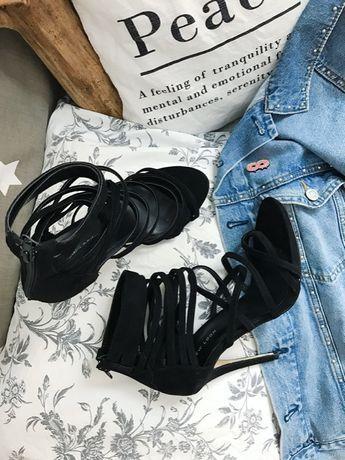 New Look wiązane czarne szpilki minimalizm basic sylwester studniówka