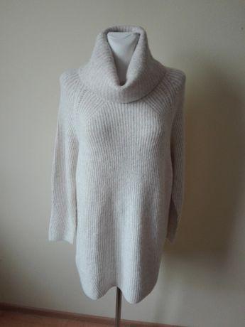 długi nowy sweter