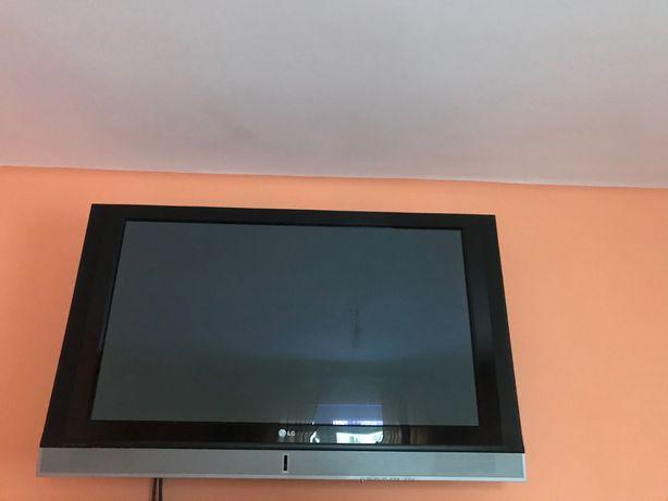 Telewizor LG czarny