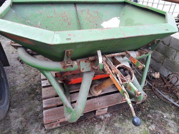 Rozsiewacz nawozu AMAZONE ZA-F 603 wałek wom