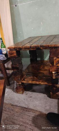 Стол деревянный, ручная работа.