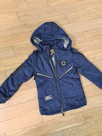 Весняна куртка на хлопчика 116рр