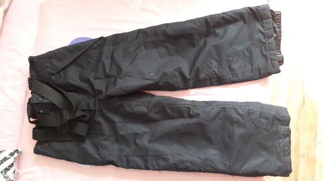 Spodnie narciarskie 110/116 czarne STAN IDEALNY