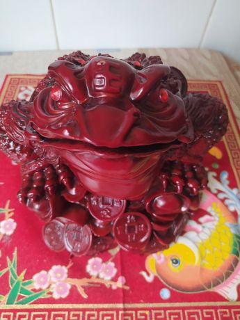 Большая денежная трехлапая жаба, лягушка, фен шуй