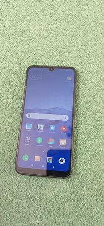 Продам телефон Xiaomi Redmi 7 4/64 Гб