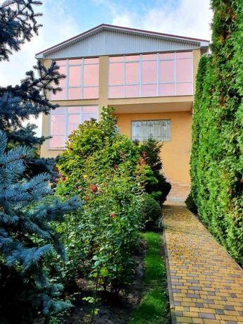 Продам уникальный, просторный 3-х этажный дом, Кирова!