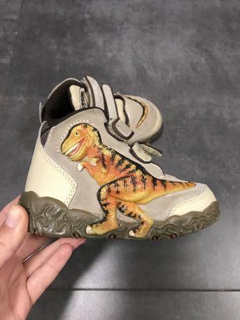 Продам очень крутые ботинки от Dinosoles