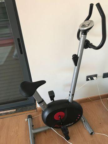 Vendo bicicleta para exercício físico em casa