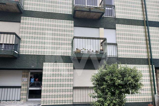 Apartamento T2 R/ch, Centro de  Esgueira-Carramona-Aveiro