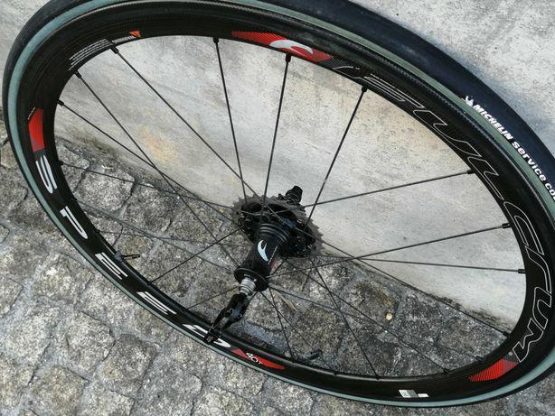 Rodas Carbono traseira Fulcrum Speed 40T