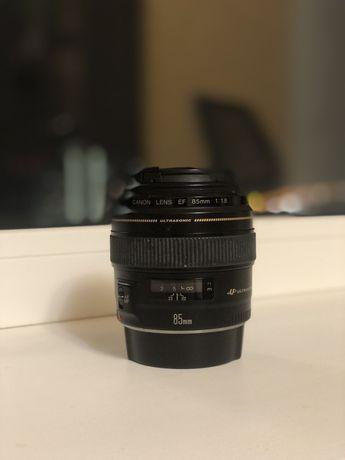 Продам объектив Canon lens EF 85mm 1:18