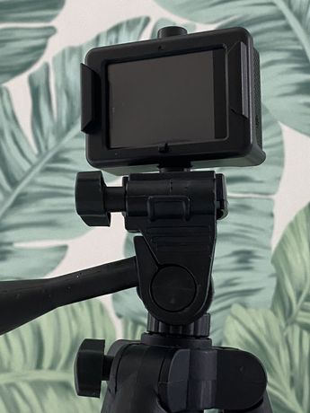 Продам экшн камеру с аксессуарами