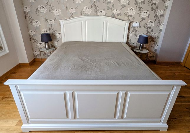Cama de casal IKEA
