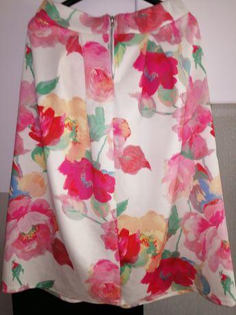 Śliczna spódnica r. s-m