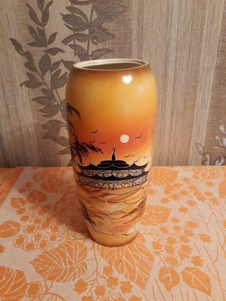 Продам керамическую вазу в стиле японской культуры
