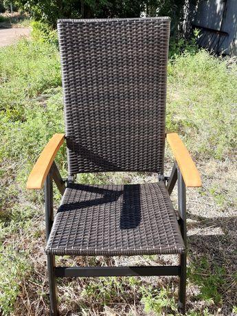 Кресло раскладное из искусственного ротанга GARDEN