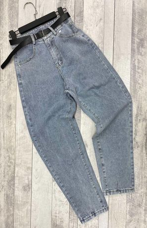 Женские светлые джинсы мом