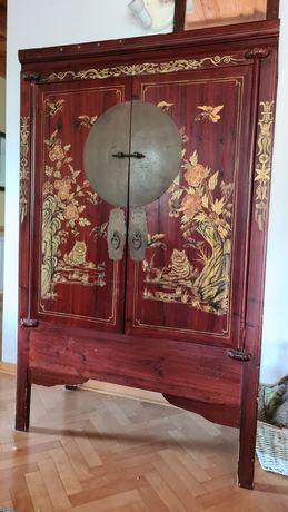 Chińska drewniana komoda z motywem kotów