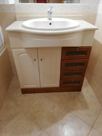 Móvel de casa de banho