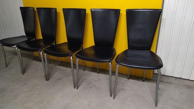 Cadeiras em pele sintética