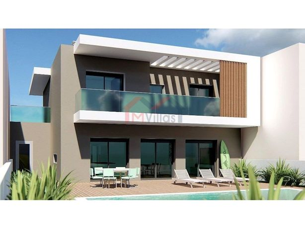 Moradia V4 de luxo com piscina e garagem - Quarteira