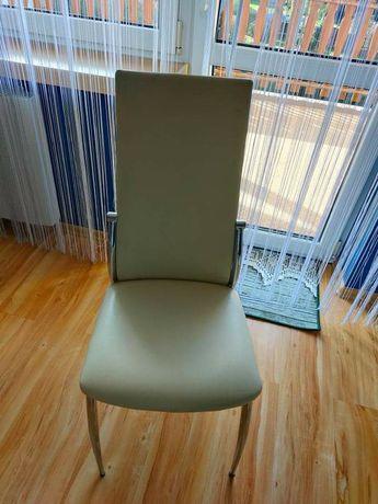 Sprzedam 4 krzesla