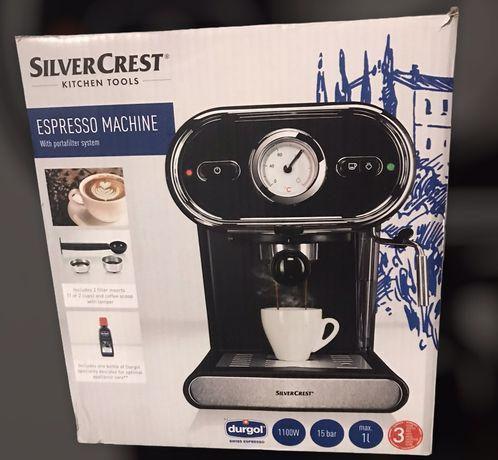 Nowy ekspres ciśnieniowy do kawy