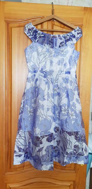 Бесподобное платье French connection, размер 12, покупала на Asos