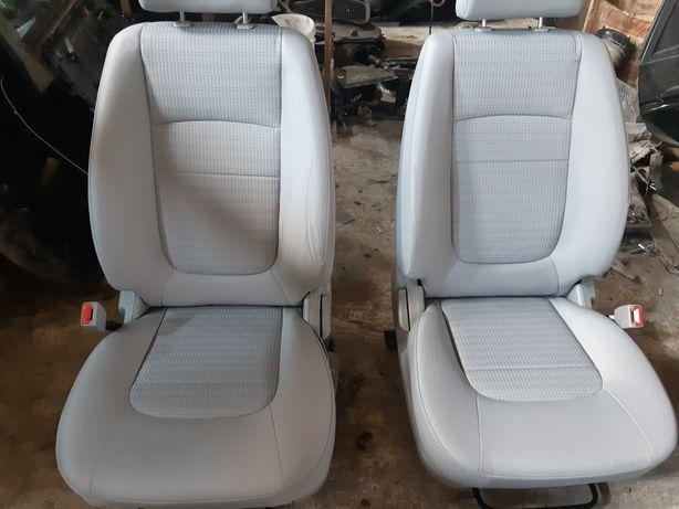 Киа cerato  2004-2006 Салон,подушки безопасности,сиденья,карты дверей.