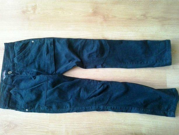 Spodnie 134 - 140 chłopięce.