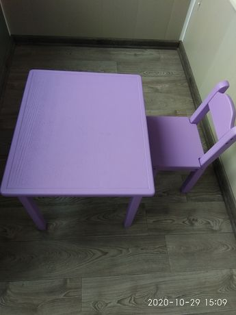 Дитячий столик і стілець