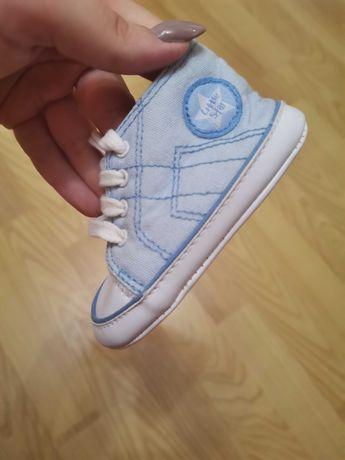 Кроссовки детские на шнуровке