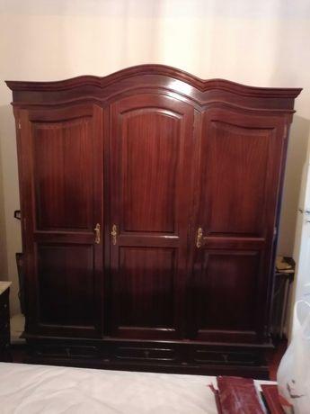 Mobília de quarto completa.