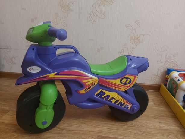 Продам беговел толокар мотоцикл байк