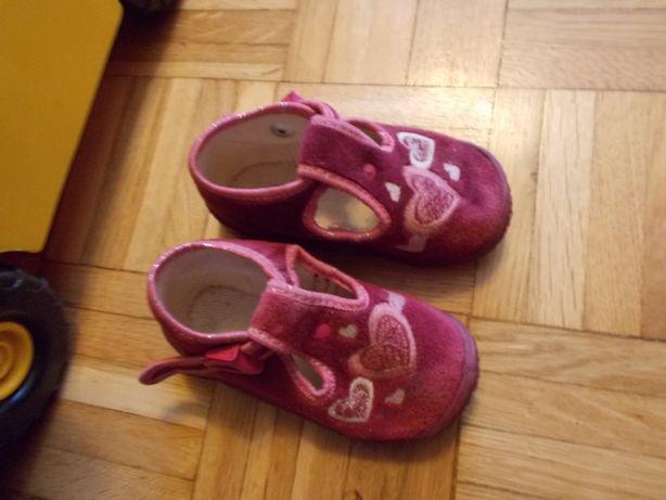 buty kapcie wkł.12cm 20 21 22