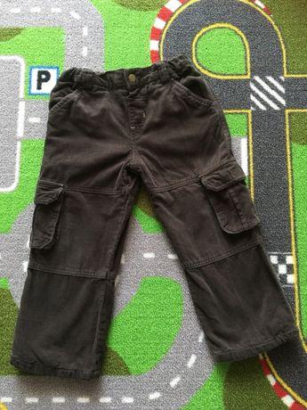 Spodnie sztruksowe, z podszewką, rozmiar 104 cm 3-4 lata. Używane.
