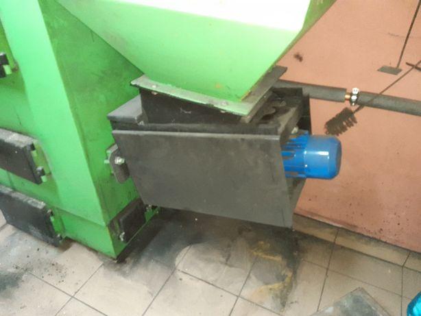 Podajnik tłokowy , szufladowy Kotrem 35 kw