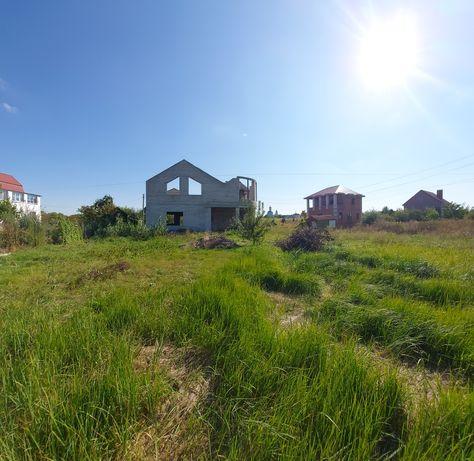 Продам участок с домом в Новоселовке