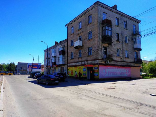 Продаю 3-х кімнатну квартиру пл. 65.8 кв. м. в місті Шепетівка