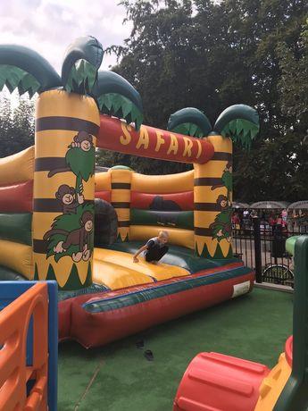 Dmuchaniec , trampolina do skakania
