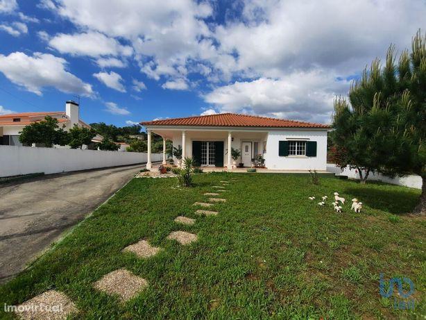 Moradia - 378 m² - T4